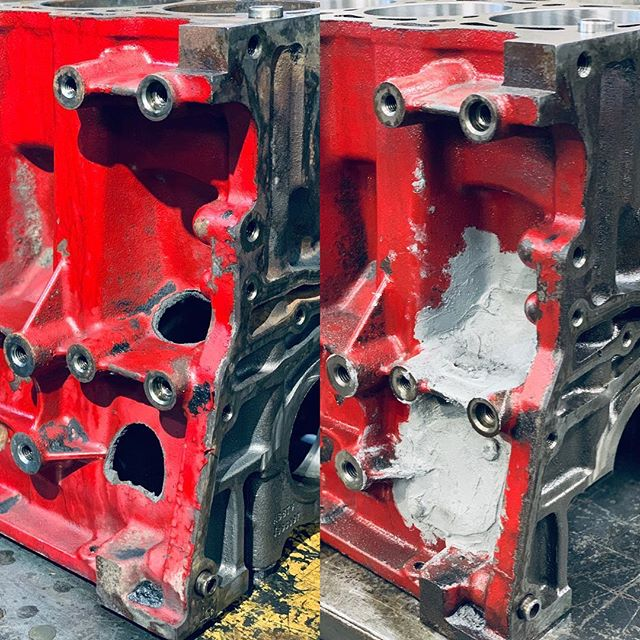 Заклеили пробитый блок цилиндров Cummins ISF2,8. Осталось сошлифовать лишнее и покрасить. Скоро соберём  двигатель на этом блоке.••#hellmotor #mechmotor #механикамоторов #ремонтдвигателя #ремонтдвигателямосква #cummins #isf #isf28 #газель #газельдизель #газелькамминс #газелькамминз #газельнекст #газельбизнес #камминс #камминз